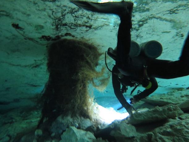 Némelyik bőven a víz alatt